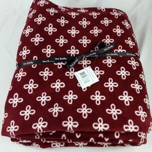 NWT Vera Bradley XL Throw Blanket Cardinal/White